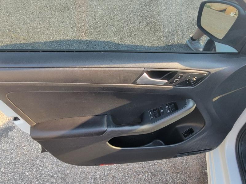 Volkswagen Jetta Sedan 2015 price $8,998