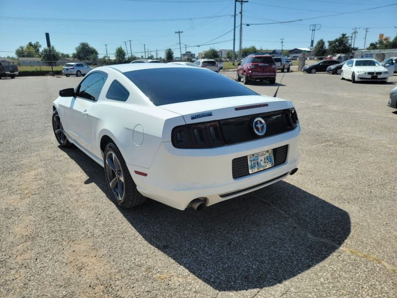 Ford Mustang 2013 price $13,998