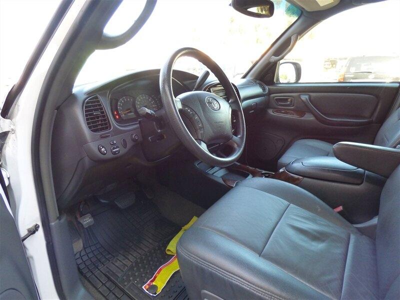 Toyota Tundra 2004 price $15,995