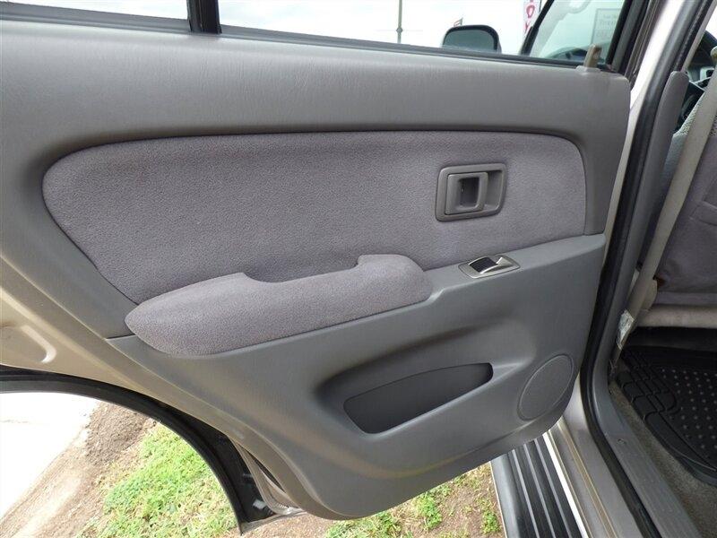 Toyota 4Runner 2002 price $9,995