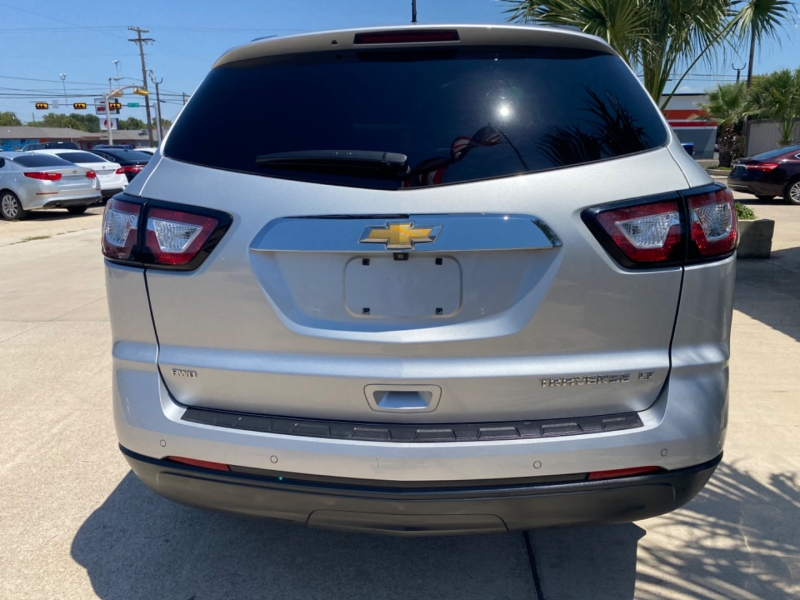 Chevrolet Traverse 2015 price $13,999