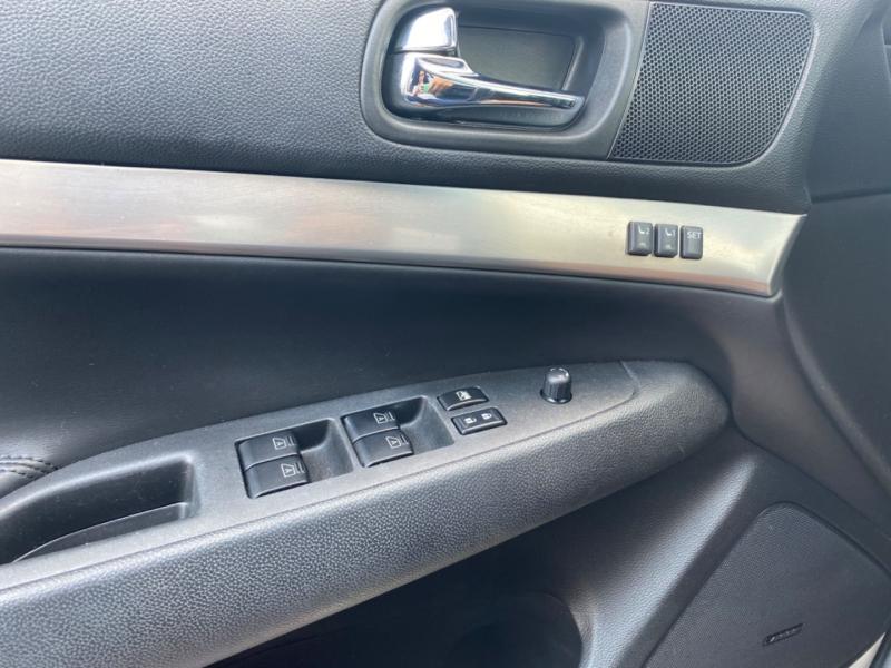 Infiniti G37 Sedan 2013 price $13,995