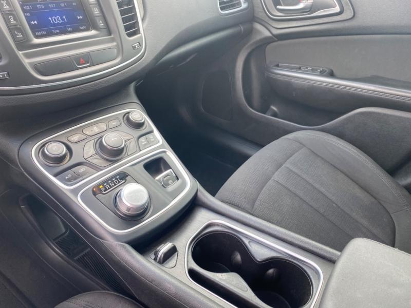 Chrysler 200 2015 price $11,999