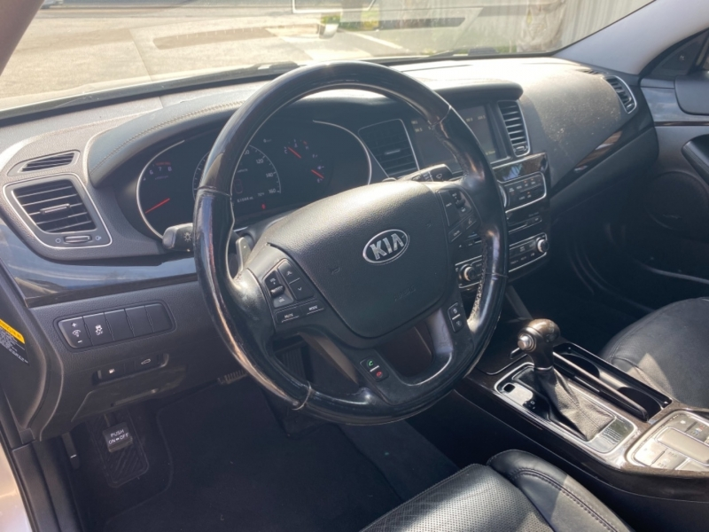 Kia Cadenza 2014 price $15,999