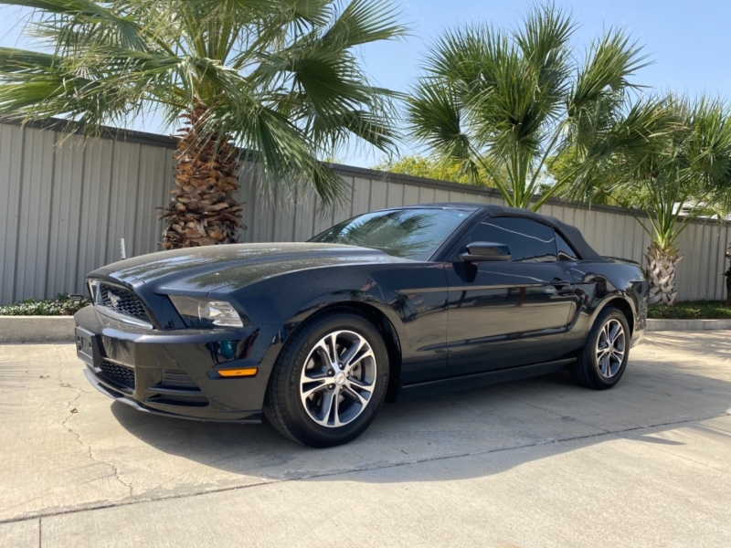 Ford Mustang 2014 price $17,995