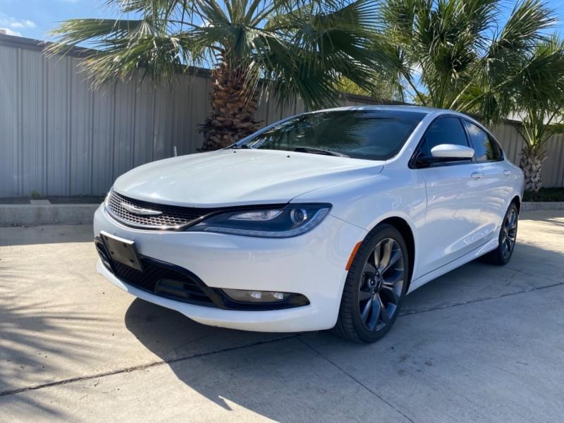 Chrysler 200 2015 price $16,999