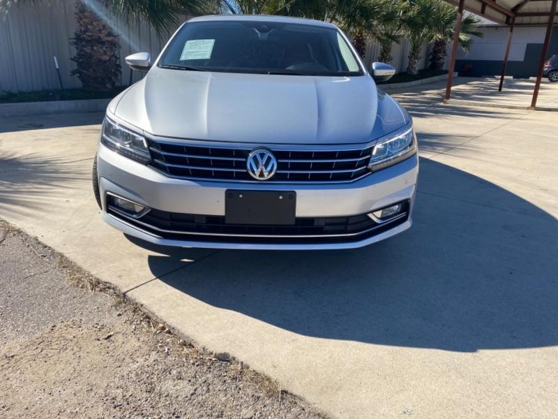 Volkswagen Passat 2017 price $15,950