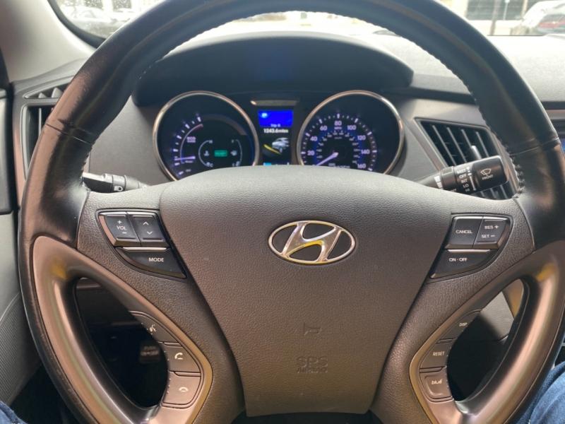 Hyundai Sonata Hybrid 2015 price $12,999