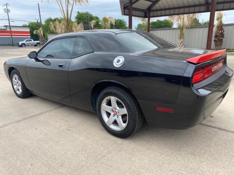Dodge Challenger 2010 price $11,999