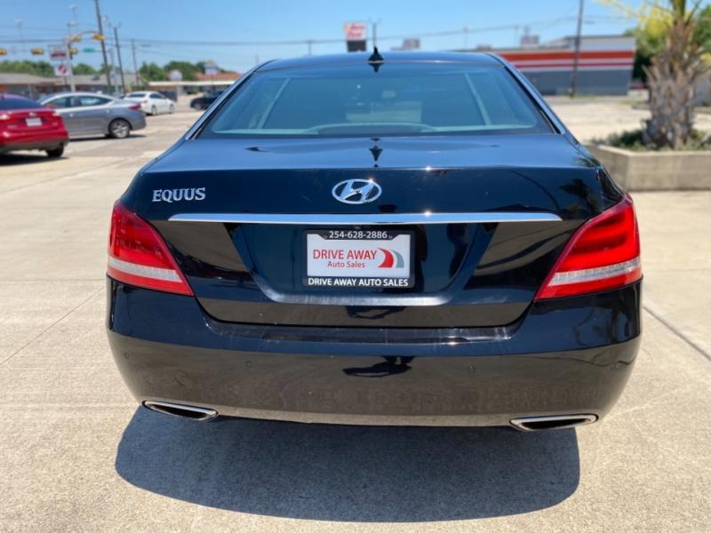Hyundai Equus 2015 price $25,995