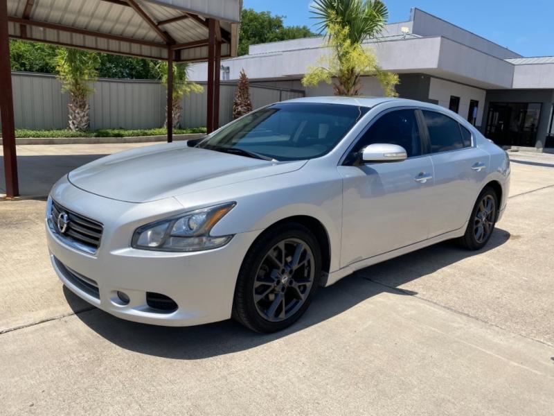 Nissan Maxima 2014 price $15,999