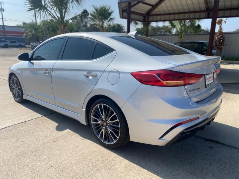 Hyundai Elantra 2018 price $22,550