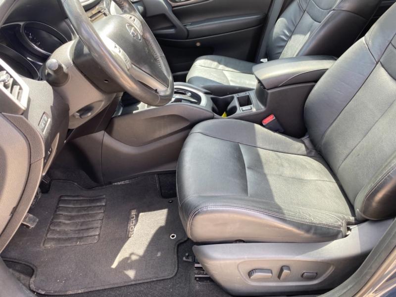 Nissan Rogue 2015 price $16,750