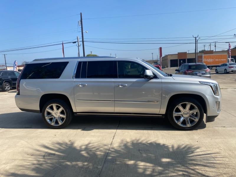 Cadillac Escalade ESV 2018 price $65,999