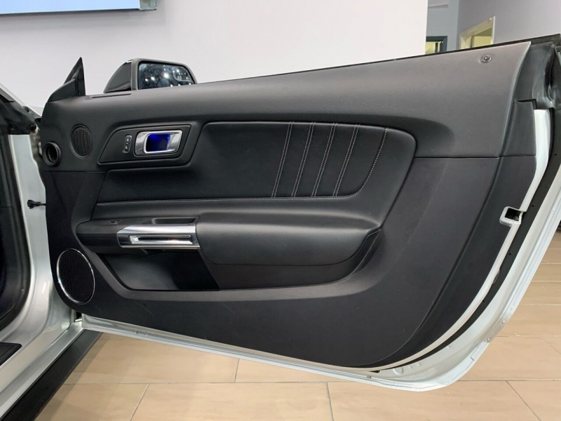 Ford Mustang 2019 price $32,900