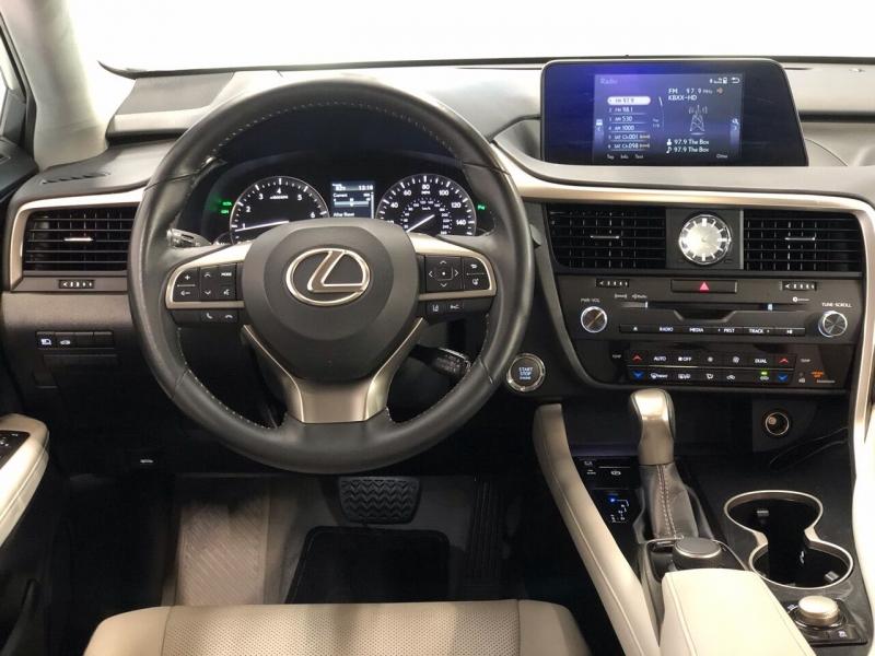 Lexus RX 350 2018 price $31,995