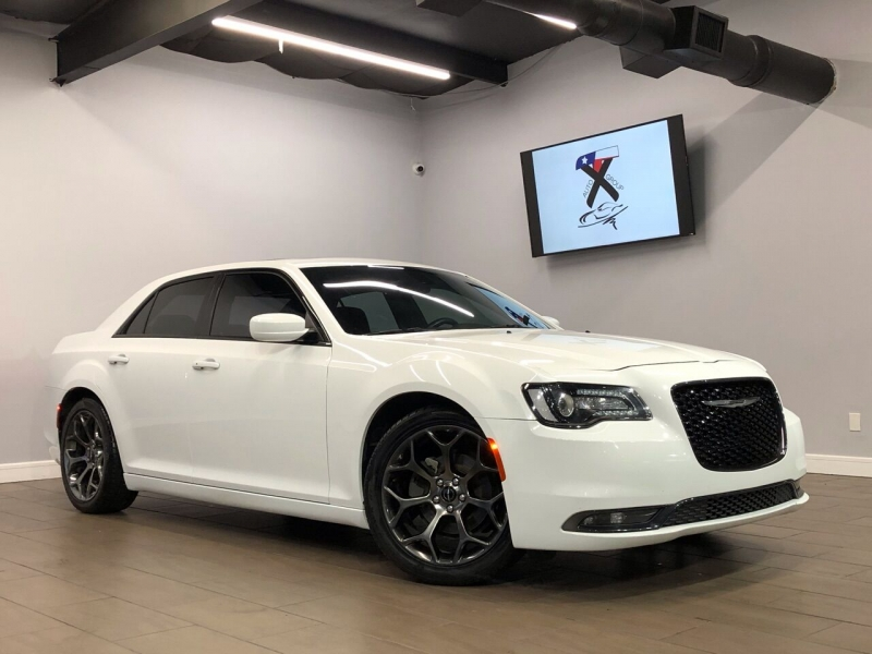 Chrysler 300 2015 price $18,995