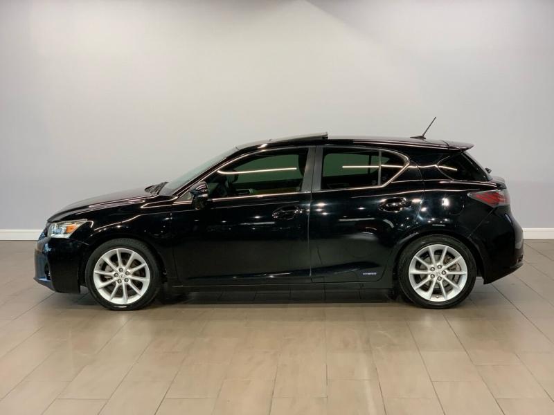 Lexus CT 200h 2012 price $9,000