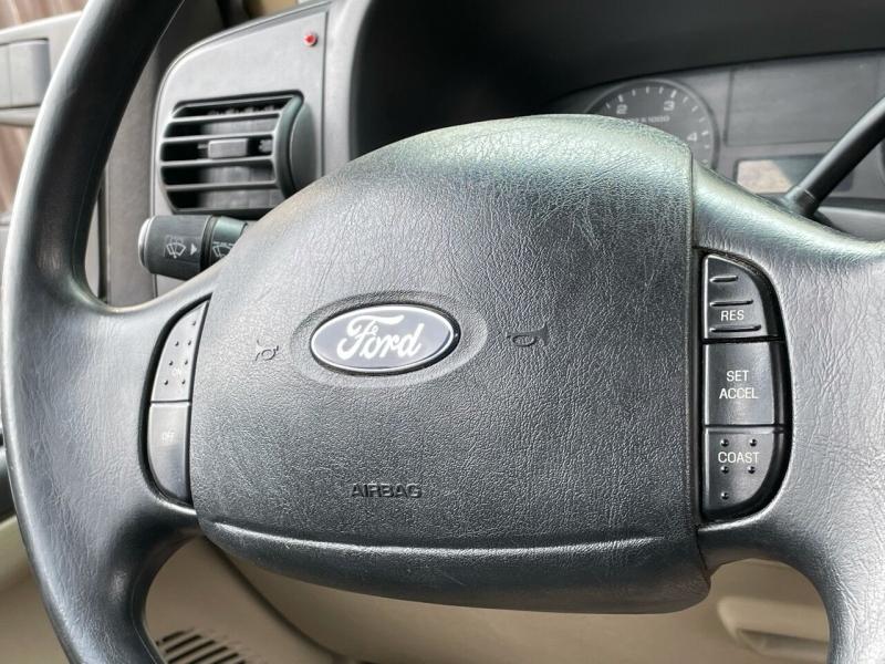 Ford F-250 Super Duty 2005 price $15,495