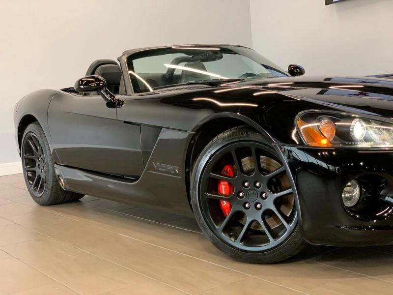 Dodge Viper 2004 price $46,995
