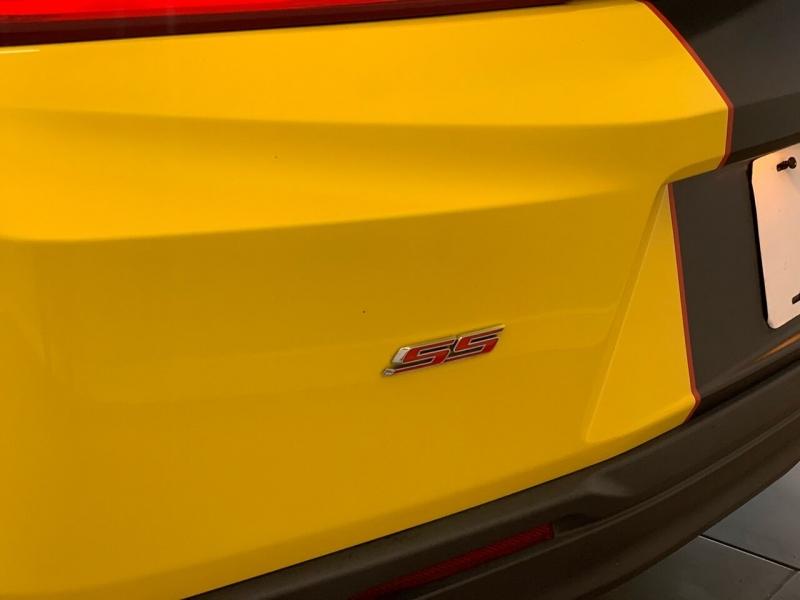 Chevrolet Camaro 2017 price $32,000