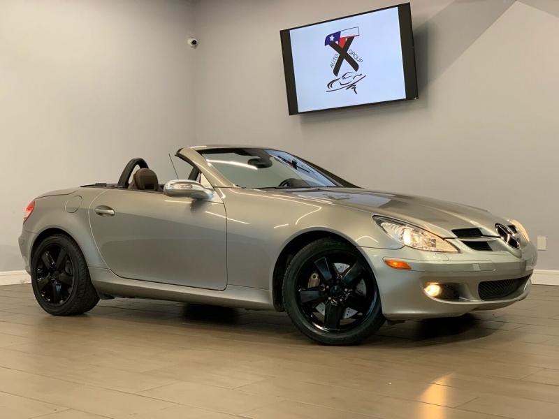 Mercedes-Benz SLK 2005 price $10,495