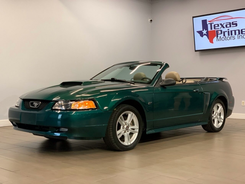 Ford Mustang 2003 price $9,999