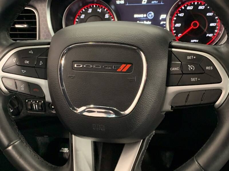 Dodge Charger 2017 price $15,995