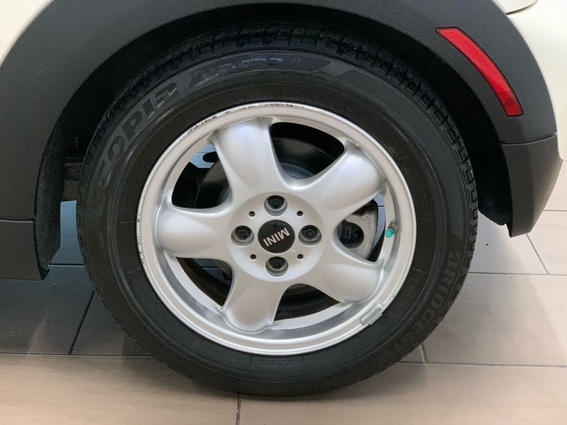 MINI Cooper 2011 price $7,495