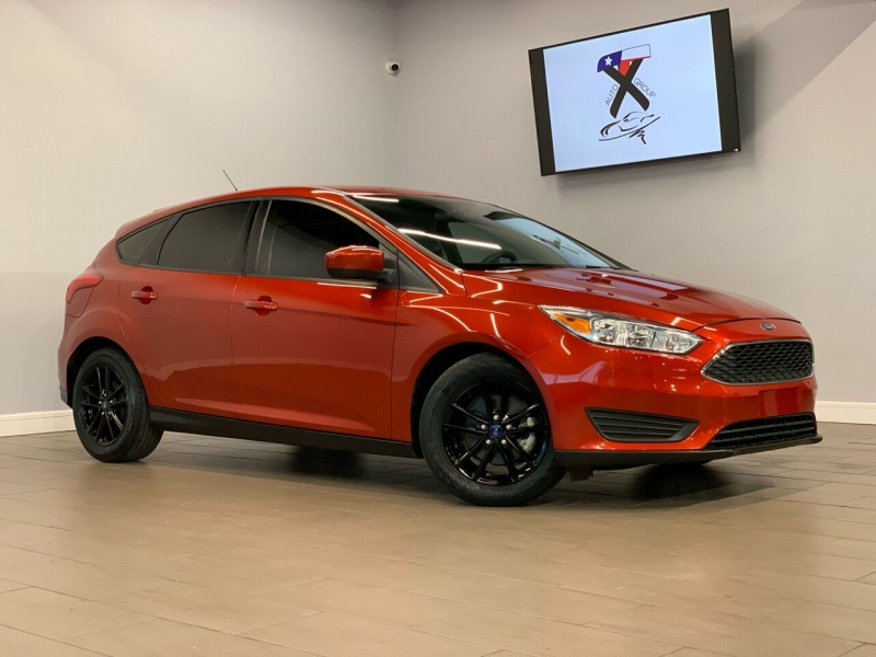 Ford Focus 2018 price $9,995