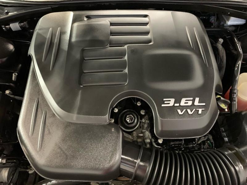 Dodge Challenger 2017 price $20,995