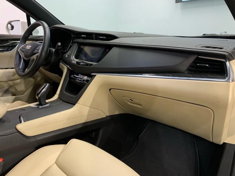 Cadillac XT5 2017 price $25,995