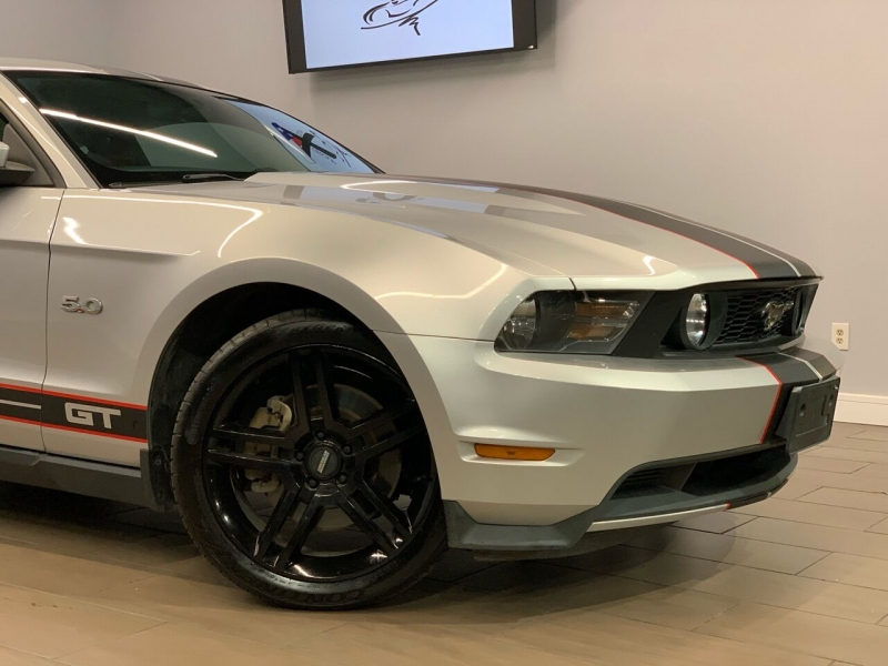 Ford Mustang 2011 price $15,995