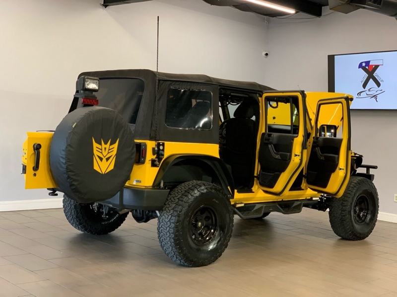 Jeep Wrangler Unlimited 2015 price $30,995