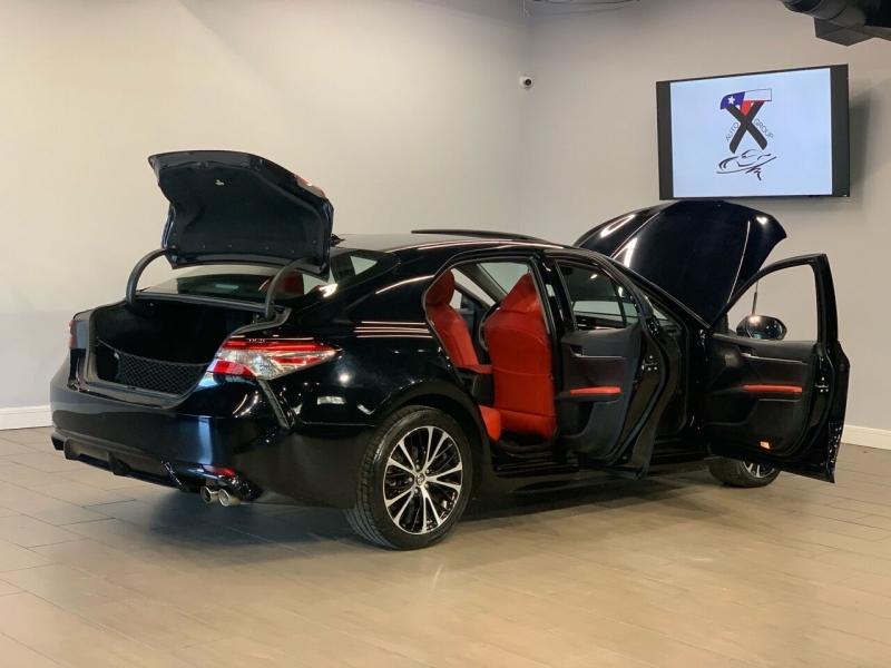 Toyota Camry 2018 price $17,495