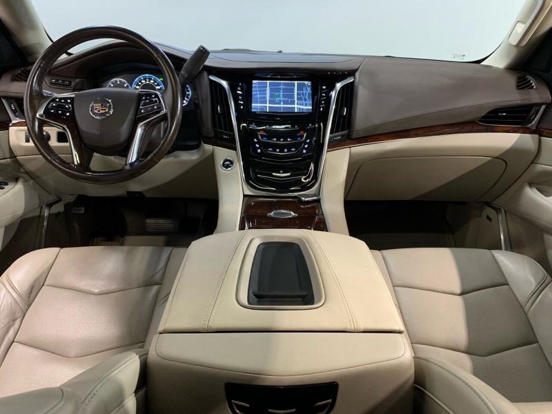 Cadillac Escalade ESV 2015 price $36,000