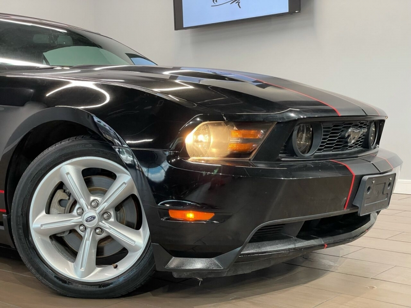 Ford Mustang 2011 price $15,500