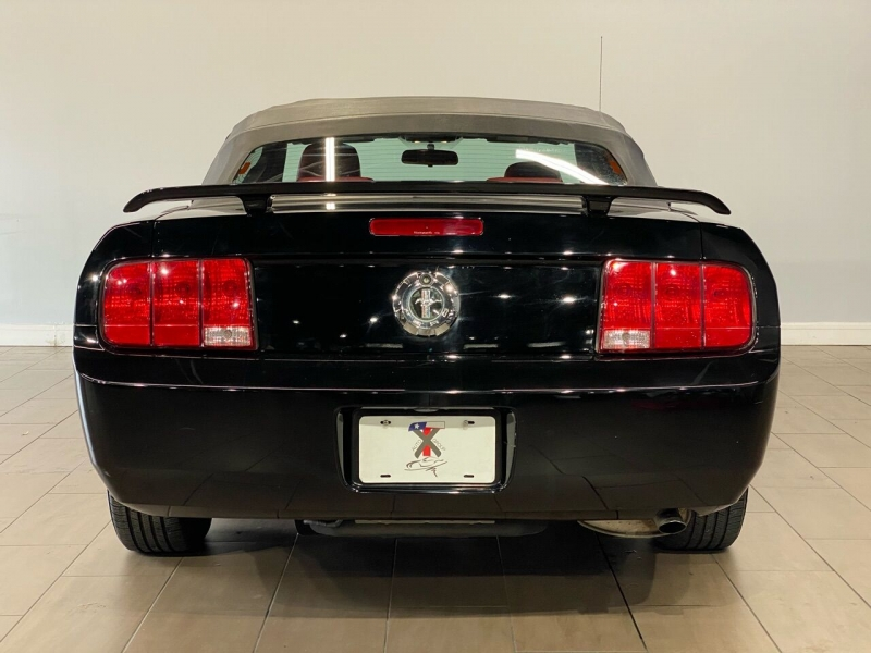 Ford Mustang 2005 price $8,700