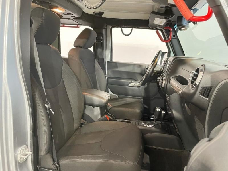 Jeep Wrangler Unlimited 2015 price $27,495