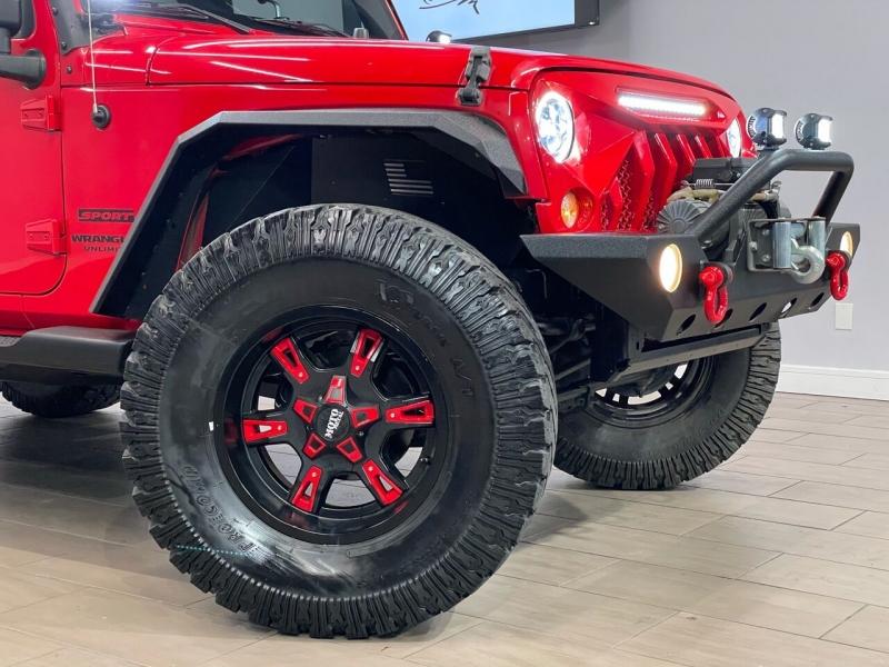 Jeep Wrangler Unlimited 2015 price $30,995