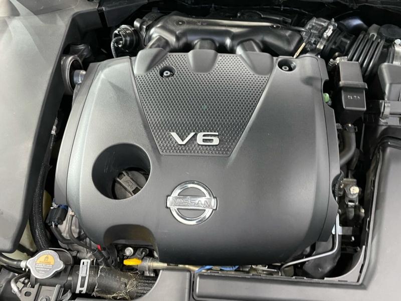Nissan Maxima 2011 price $11,000