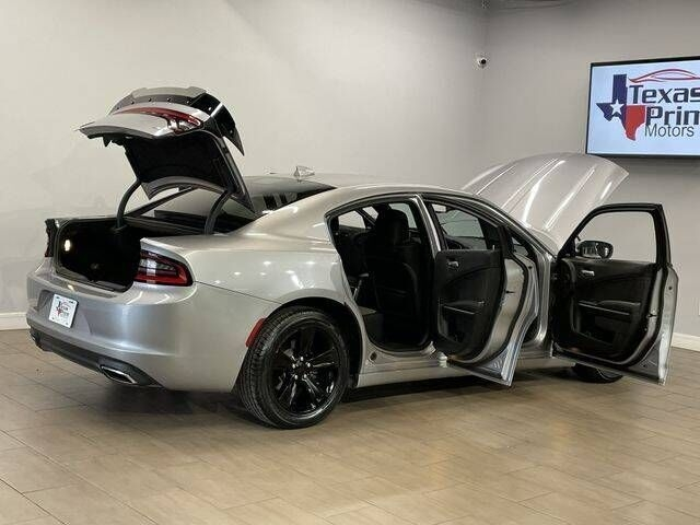 Dodge Charger 2016 price $17,999