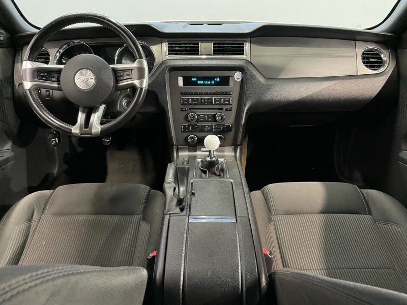 Ford Mustang 2013 price $15,995