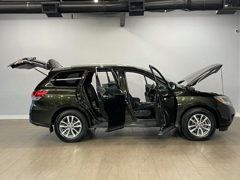 Nissan Pathfinder 2016 price $19,995