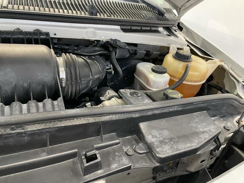 Ford E-Series Wagon 2010 price $13,495