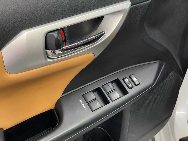 Lexus CT 200h 2011 price $10,995