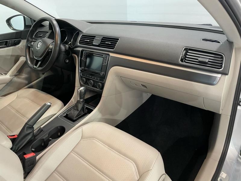 Volkswagen Passat 2018 price $17,995