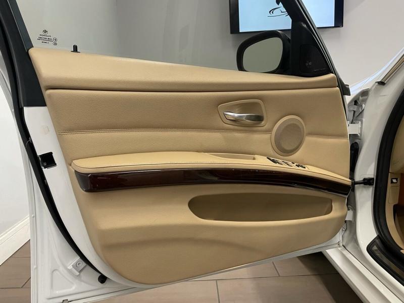 BMW 3 Series 2011 price $13,900