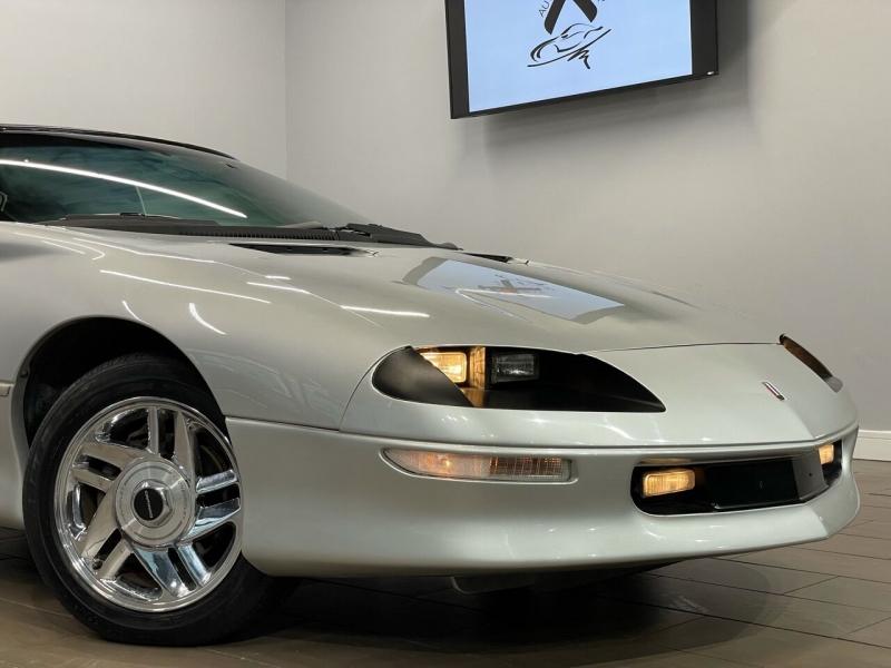 Chevrolet Camaro 1996 price $13,495