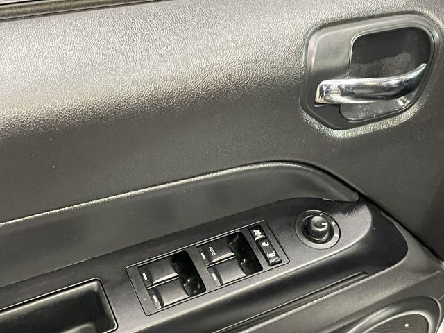 Jeep Compass 2011 price $8,999
